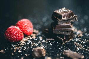 DARK CHOCOLATE - healthy food for weight loss
